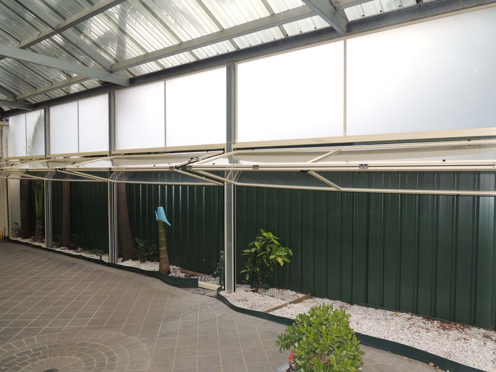 Retractable Awnings Optiscreen Pvc Outdoor Screens